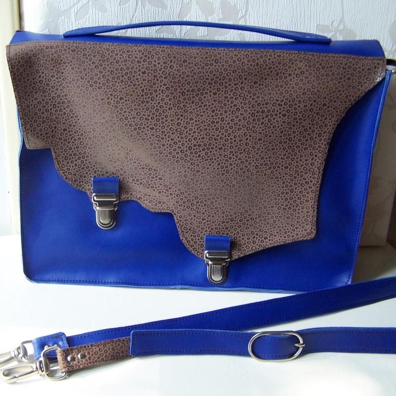 Cartable en cuir Bleu vif - photo vitrine